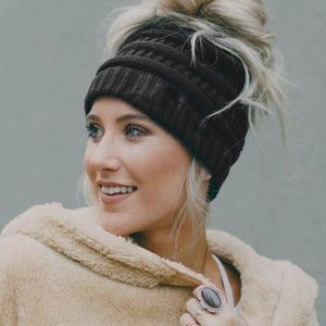 Messy bun knitted beanie Hat
